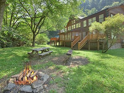 Photo for Caney Creek Lodge | Mountain Retreat | Creek-side | Fire Pit | Game Room | Pet-Friendly | Hot Tub