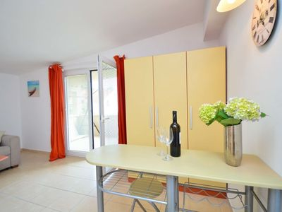 Photo for Apartment in Šibenik with Parking, Air conditioning, Terrace (122129)