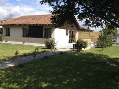 Photo for Cottage with sunny terrace, at the entrance of VAYRES famous for its tidal bore