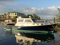 It was a wonderful mini yacht to stay on. My wife and I loved it. We will definitely be coming back