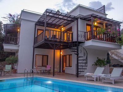 Photo for 3 Bed/3 Bath Villa, Private Pool, Roof Top BBQ, 10 min walk to Old Town/Harbour
