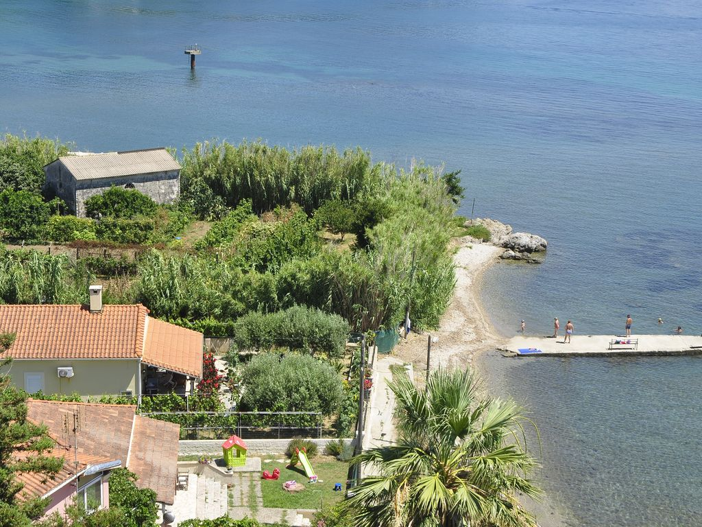 2 bedroom villa on the beach with garden and sea views near Gerald ...