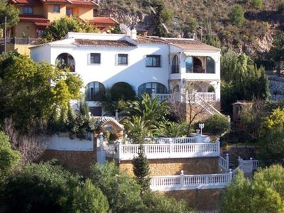 Photo for Luxury villa with 7 bedrooms of 300 m2 w / pool and scenic view for 14 persons.