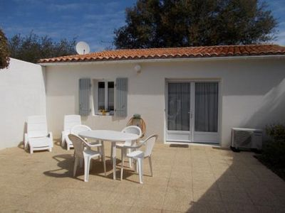 Photo for House - 4 People - 2 Bedrooms - Terrace - Seaside - Beach - Ile de Ré