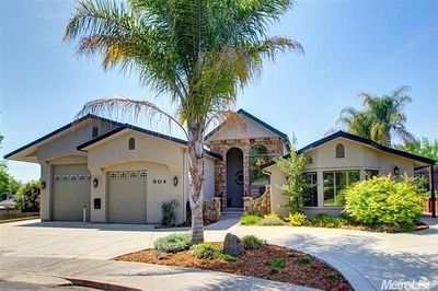 Unique Upscale Modern home with lots of amenities!