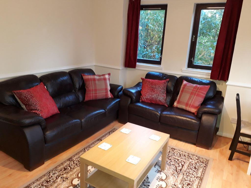 Cathedral Gate Apartment Glasgow City Centre Parking