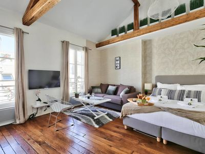 Photo for Amazing apartment at the Eiffel Tower