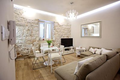 Luxury 2 Bedroom Apartment In Unesco Listed Diocletian S Palace Split Old Town