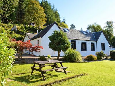 Photo for Quiet location with stunning views, sleeps 6, pet friendly, free Wi-Fi