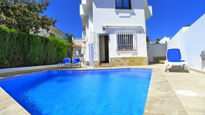Photo for Superb holiday villa, sleeps 8, town centre with pool & spectacular roof terrace