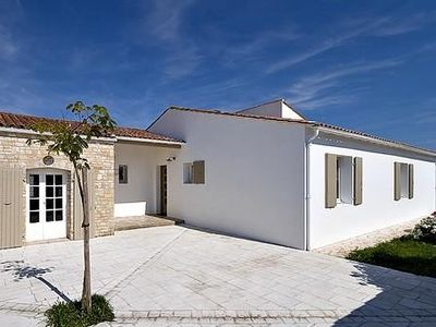 Photo for 6 people Charming house located 50 meters from the beach