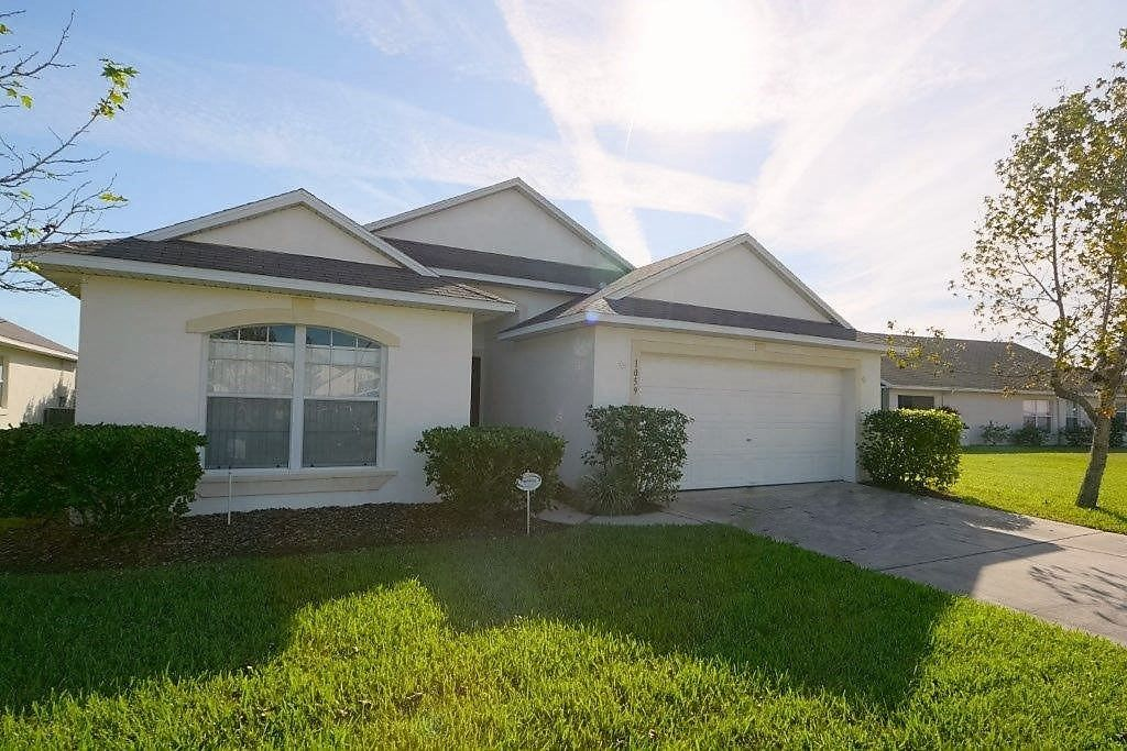 3 Bedroom Orlando Vacation Pool Home With Water View Hot Tub Games Room Near Disney