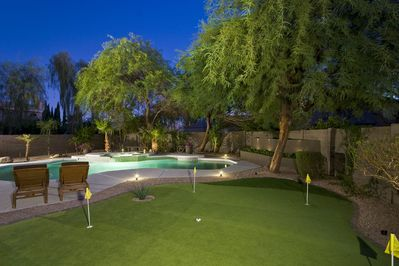 Putting Green - Enjoy the 5-Hole putting preen (putters and balls included)!