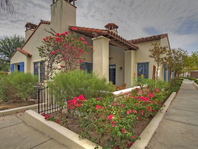 Gorgeous 3 Bed Town House Highly Upgraded w/ Private Garage LQ126 LIC#064650