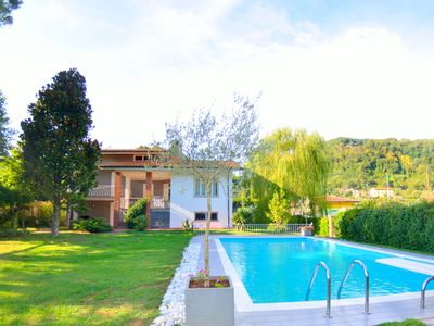 Photo for Villa with garden and private pool, between Lucca and the sea