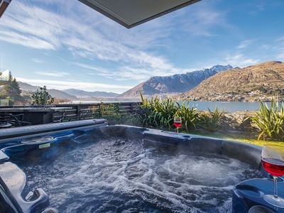 Photo for La Residence Du Lac - Queenstown, Otago