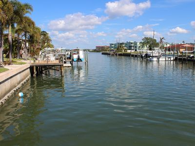 Catch the Great Breeze and Awesome Gulf Sunsets at Coconut Villas of Dunedin!