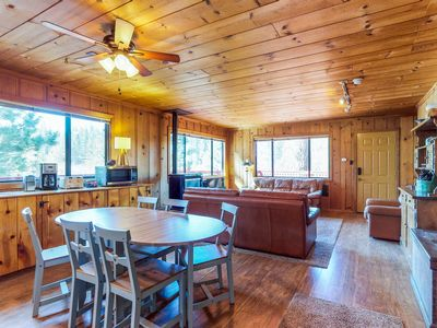 Photo for Dog-friendly mountainview cabin with free WiFi - secluded with room to roam!