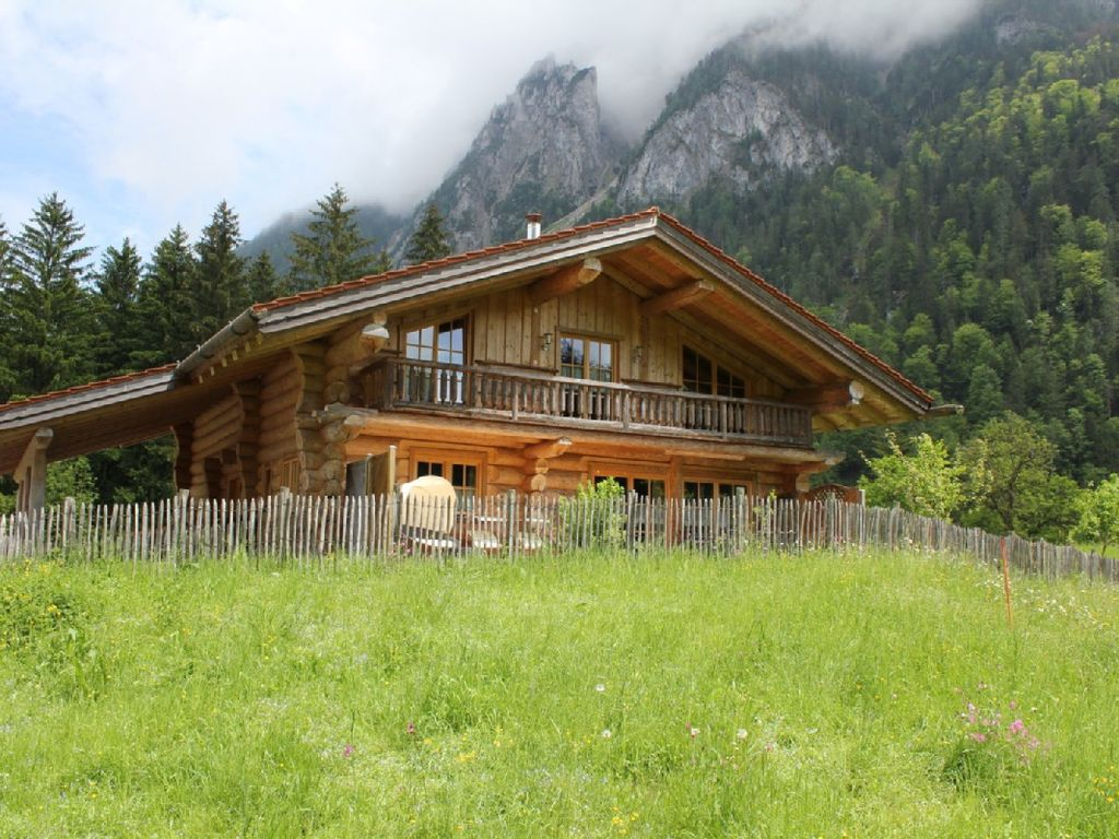 Log Cabins And Wooden Houses In Idyllic Loc Homeaway