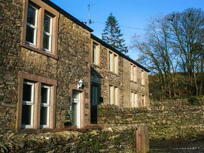 Photo for WEASELS COTTAGE, pet friendly in Horton-In-Ribblesdale, Ref 935400