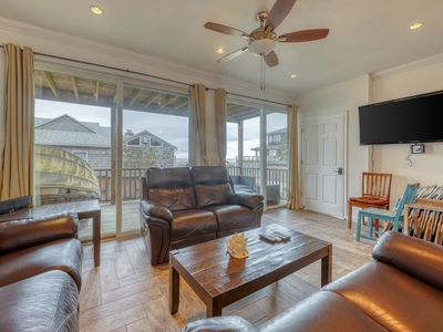 Photo for NEW LISTING! Bright spacious duplex, great location w/ private hot tub!