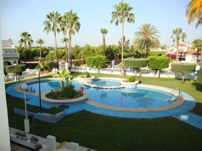 Photo for Beautiful apartment with magnificent pool area in a neat area - free Wi-Fi !!!