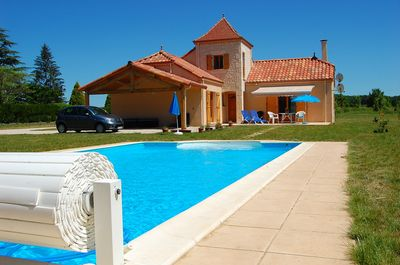 Recently built house with swimming pool, large pet-friendly garden in rural  spot - Touzac