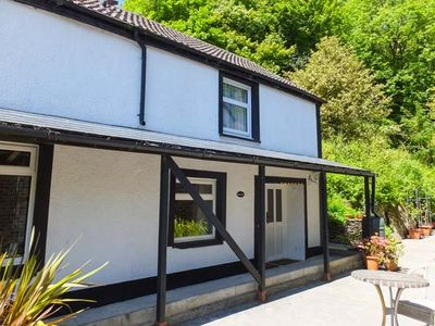 Photo for RED KITE, pet friendly, with a garden in Blaenwaun, Ref 930697