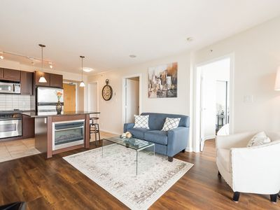Photo for Luxurious 1 Bedroom and Den in Downtown Vancouver (B1)