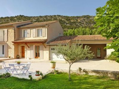 Photo for Semi-detached house, Beaumes-de-Venise  in Vaucluse - 7 persons, 3 bedrooms