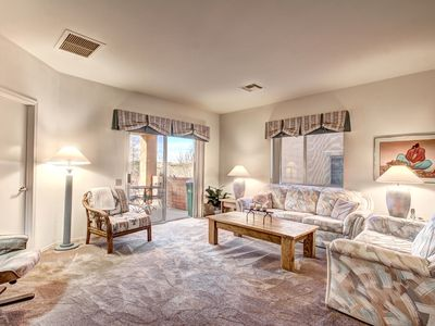 Private, Beautiful & Spacious Townhome