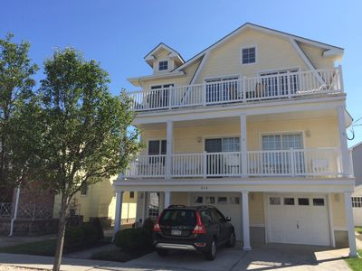 Photo for Very beautiful bright and spacious, 1.5 blocks to beach, pet friendly, WiFi