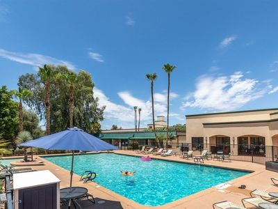 Photo for Scottsdale 2 Bedrm Condo w/Private Patio, Heated Pool & Spa!
