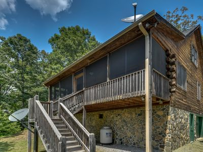 Photo for Riders' Retreat - Minutes To TIEC, Sleeps 6-8, Pets Considered