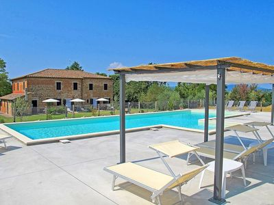 Photo for Apartment in Castiglione Del Lago with 5 bedrooms sleeps 10