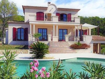 Photo for Beautiful, air-conditioned villa with private pool and panoramic views, 2.5 km from the village