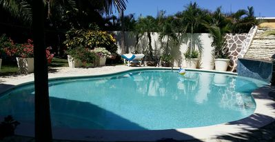 5-BD Guest-friendly villa with pool, near everything!