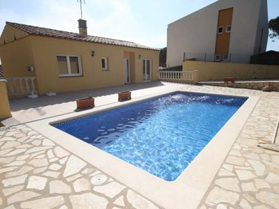 Photo for Villa with private pool in quiet area.