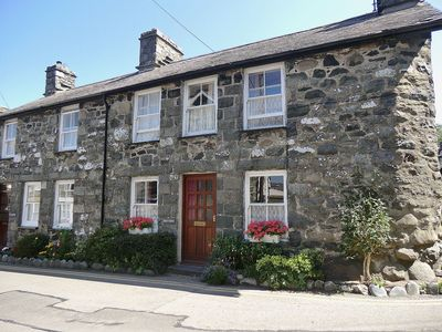 Photo for 3 bedroom property in Aberdovey. Pet friendly.