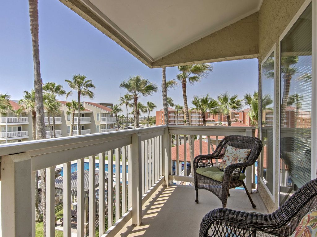 New 1br south padre island condo w balcony vrbo for Cabin rentals south padre island tx