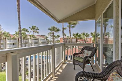 Escape to this relaxing South Padre Island condo with 1 bedroom and 1 bathroom!