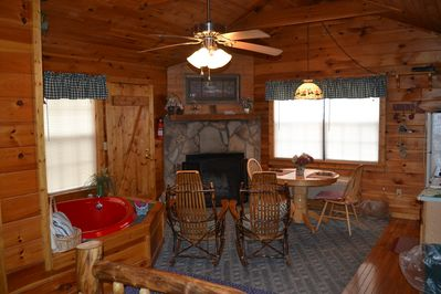 beautiful cabin for two close to pigeon forge