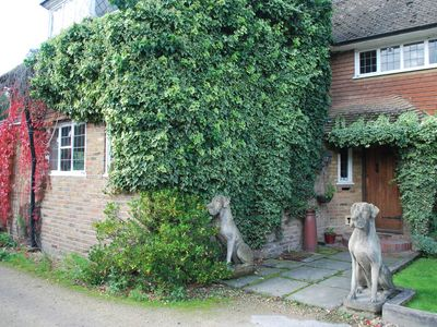 Photo for Charming farmhouse close to London - sleeps 8