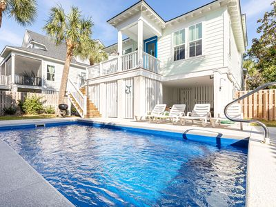 Photo for Oyster Shooter: 4 BR / 3 BA home in Tybee Island, Sleeps 9