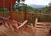 Amazing Mountain View! Pool Table, Arcade Game, Hot Tub, FREE access to Pool, Putt Putt & Fishing