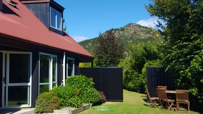 Photo for Black Frye Cottage, 5 mins from Wanaka