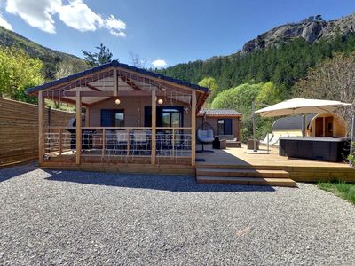 Photo for Luxury Chalet 6 persons with Jacuzzi and Private Sauna