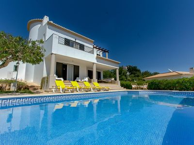 Photo for Charming 4 Bed Villa On Club Albufeira With Private Pool, Free Wifi & AC
