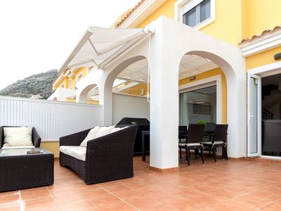 Photo for Luxury house with sea view for 6 people