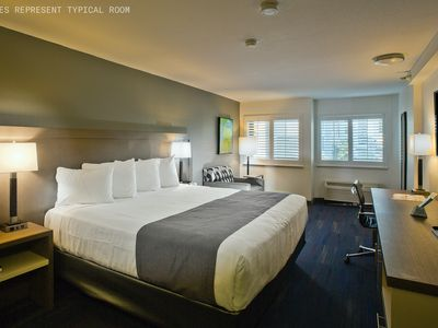 Photo for Crestview | Chic Room + Business Center
